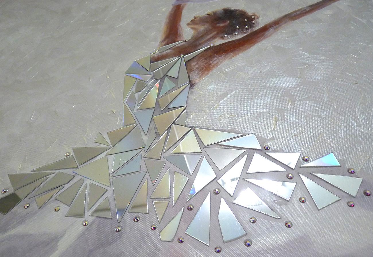 Particolare lavorazione con specchio acrilico